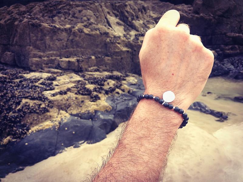 Bracelet personnalisé homme symboles celtiques viking pierres naturelles hématite